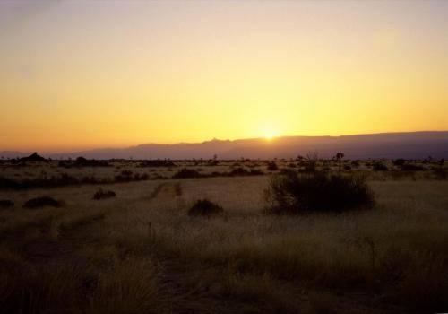 Landschaftsformen bei Sonnenuntergang im Süden Namibias