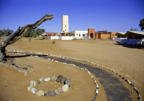 Mövenpick Lodge am Rand der Namib Wüste
