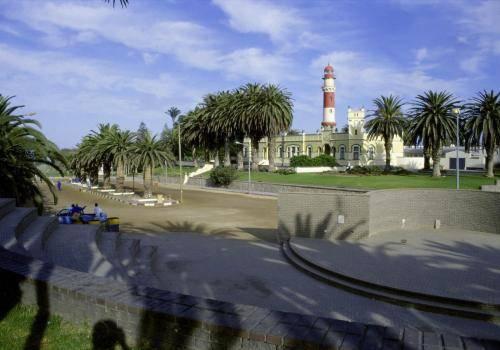 Swakopmund Hotel mit altem Leuchtturm
