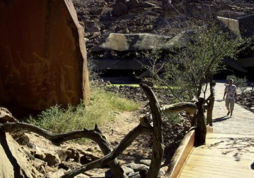 Twyfelfontein Lodge mit Felszeichnungen