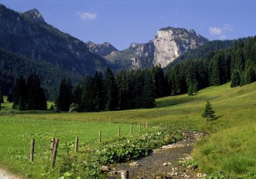Längental mit Probstenwand in der Nähe der Benediktenwand