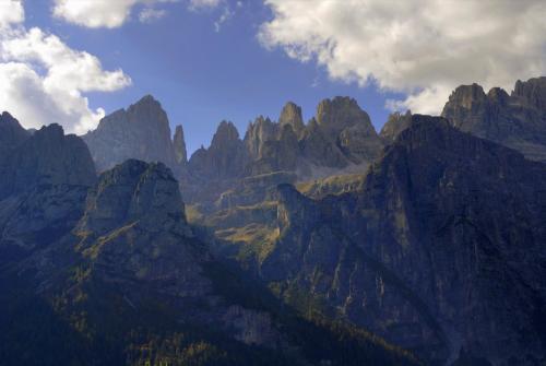 Auf der Pradel-Hochebene mit traumhaften Blick in das Herz der Brenta. Italien,UNESCO Weltnaturerbe.