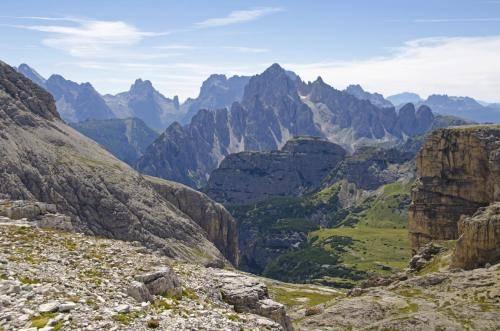 Blick von der Büllelejochhütte in den Sextner Dolomiten, zur Candini di Misurina Gebirgsgruppe