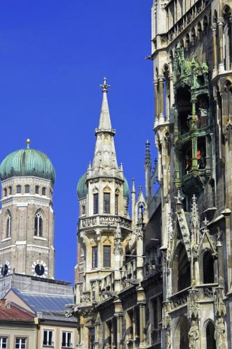 Das Rathaus mit dem Turm der Frauenkirche