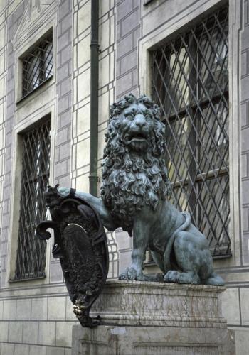 Bayerischer Löwenstatue