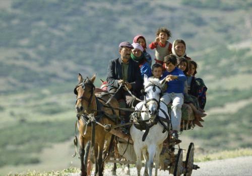 Zigeunerwagen mit Großfamiliein der Türkei