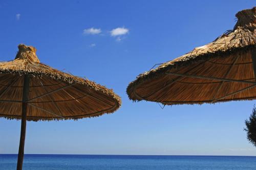 Kato Zagros Beach im November