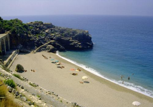 Schöner Badestrand in der Nähe von Alanya, Türkei