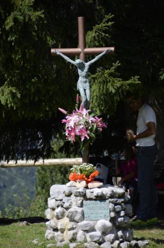 Wegkreuz auf der Pradel-Hochebene.Die Pradel-Hochebene liegt auf einer Höhe von ca.1600 Meter in der Urlaubsregion Paganella-Brenta-Dolomiten (UNESCO Weltnaturerbe).