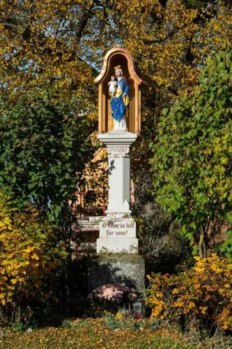 Marienstatue bei Sindelsdorf, Oberbayern