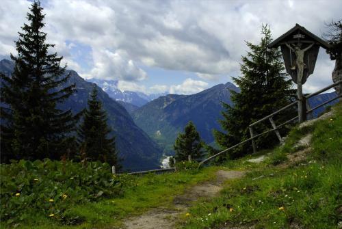 Wegkreuz am Pürschling in den Ammergauer Alpen; Bayern