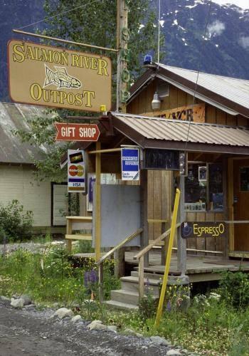 Laden in Hyder Alaska