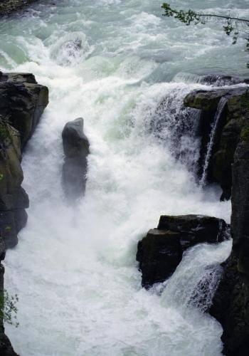 Wasserfälle entlang Jasper Nationalpark nach Lake Louise