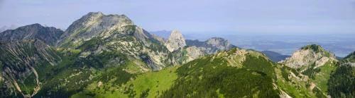 Blick vom Scheinberg in den Ammergauer Alpen