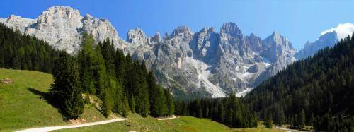 Panoramablick in die Palagruppe vom Val di Venegiotta