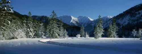 Winterlandschaft im Graswangtal