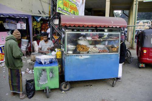 Gemüse, Gewürze, Obst und auch Waren aller Art, Sri Lanka