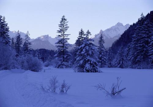 Winterlandschaft im Graswangtal Nähe Aberammergau; Bayern