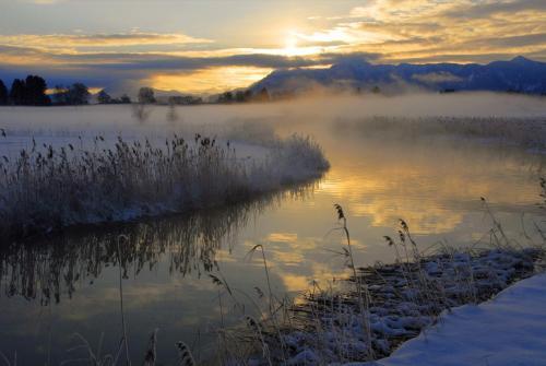 Wintermorgenstimmung am Staffelsee, Bayern