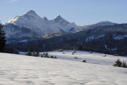 Winterlandschaft  bei Mittenwald; Bayern